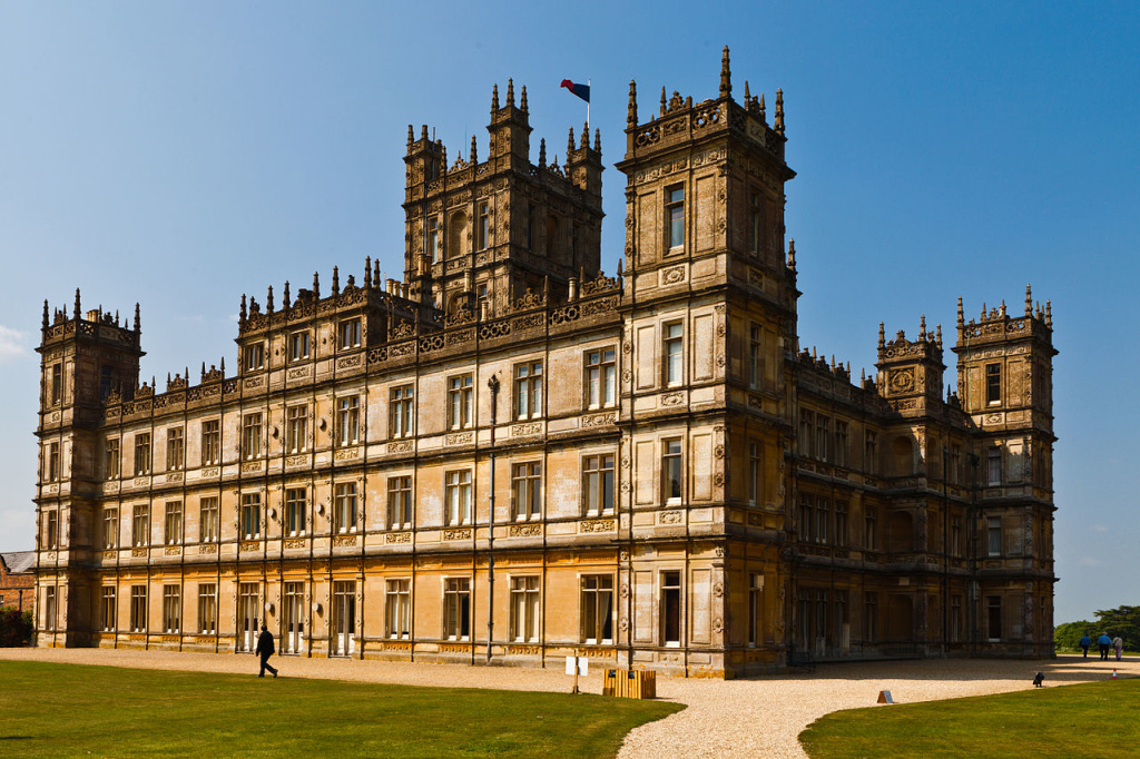 Highclere_Castle_