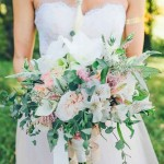 bohemian-wedding-bouquets-high-five-for-love-photography-334x500