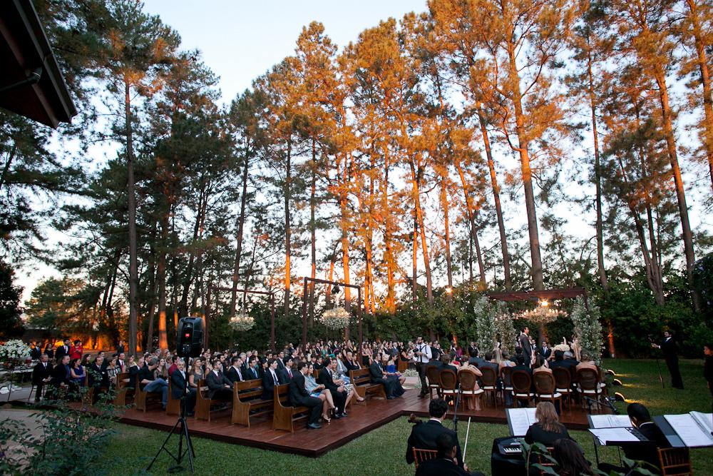 04-_villacasuarina-casamento-no-campo-jardim-convidados